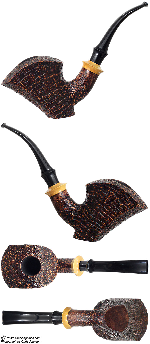 Sandblasted Bent Dublin Sitter with Boxwood (Lion)